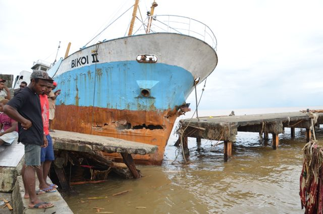 This ship was driven into the cement wharf